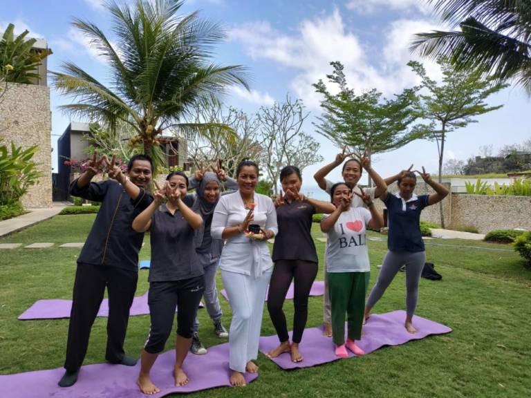 Anantara Uluwatu BALI outdoor yoga Welfie